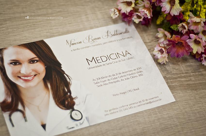 O cartão foi impresso digitalmente com arte e fotografia exclusivas.