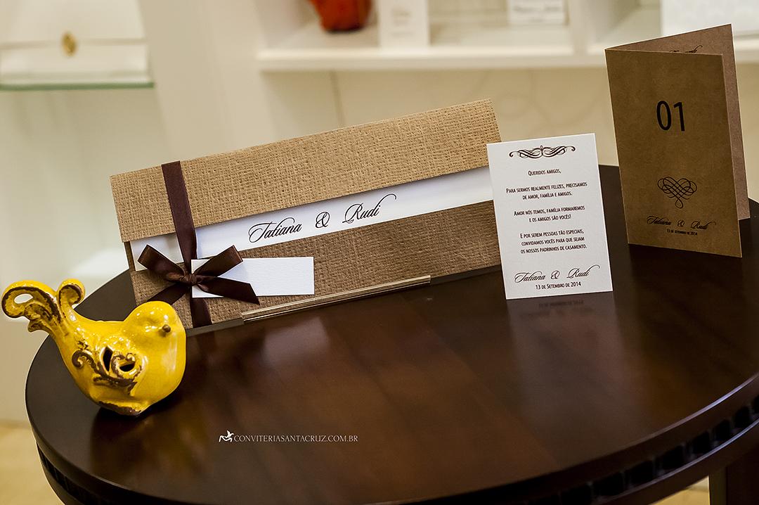 Papelaria em estilo rústico-chique: convite, tags para padrinhos e cardápio.