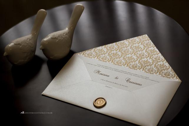 Convite de casamento clássico e extremamente elegante com lacre de cera exclusivo.