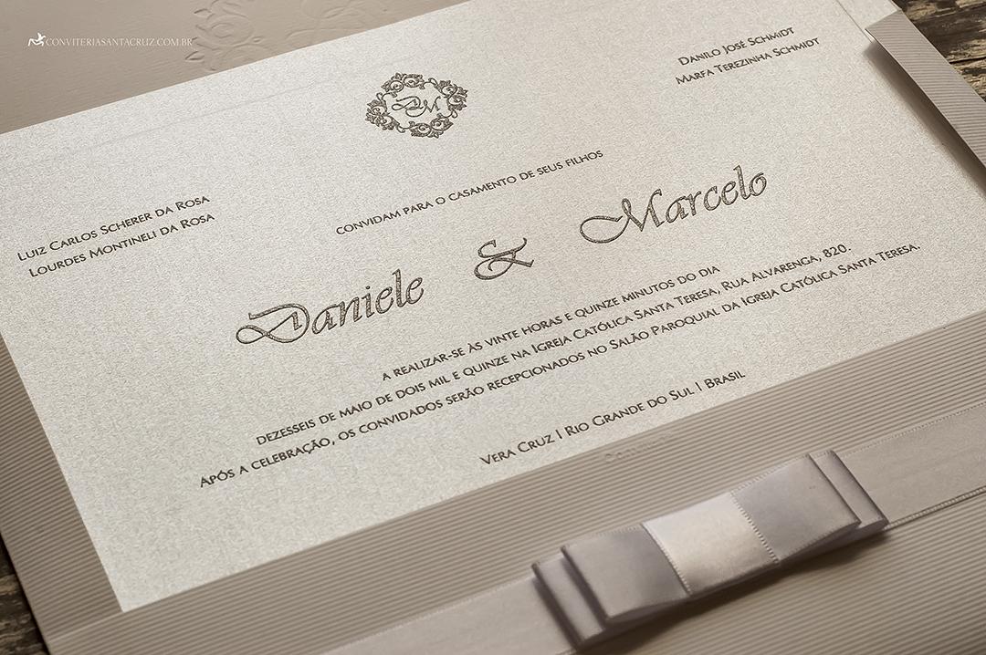 Convite de casamento: detalhes que deixam o material chique e elegante.