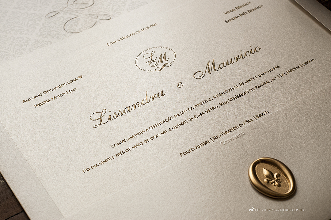Convite de casamento com lacre de cera e impressão em relevo americano.