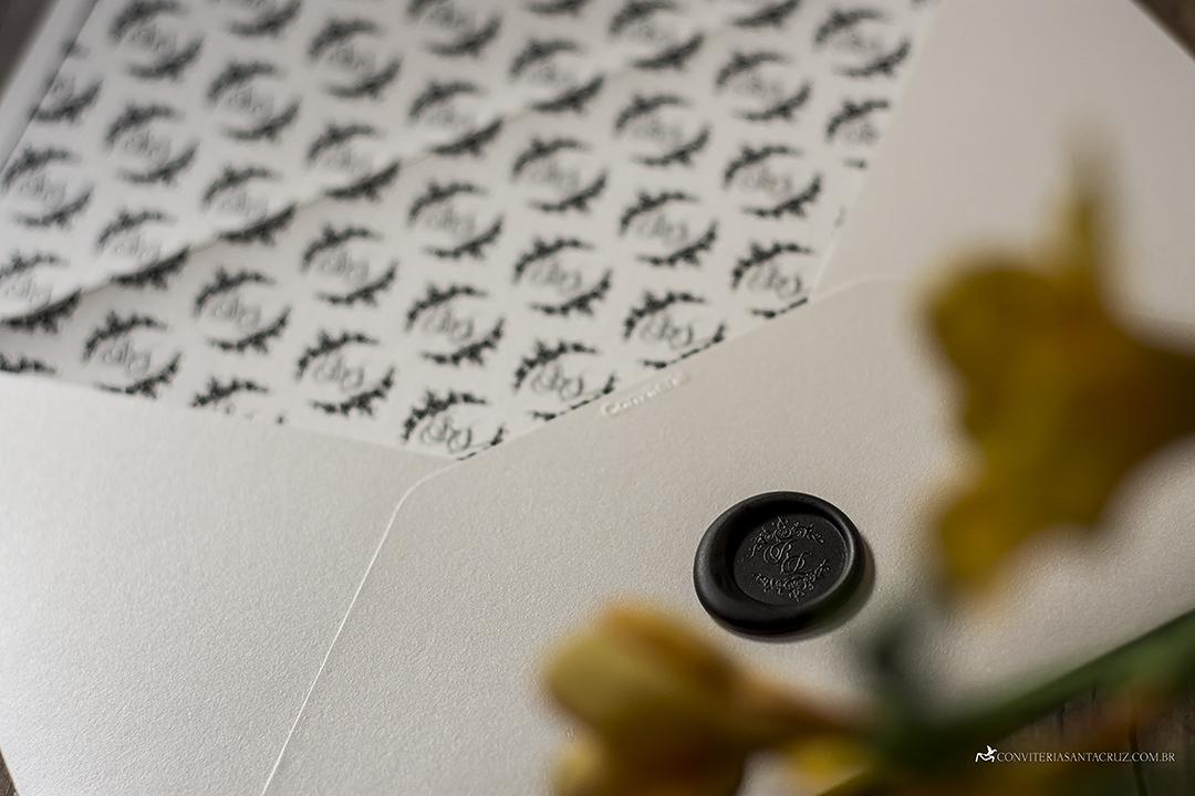 Convite de casamento preto e branco: detalhes que são pura elegância.