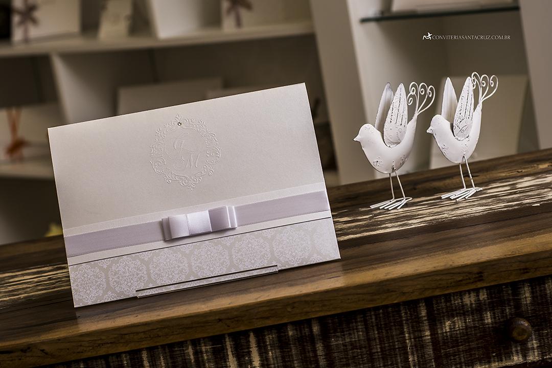 Convite de casamento com cristal Swarovski e totalmente personalizado