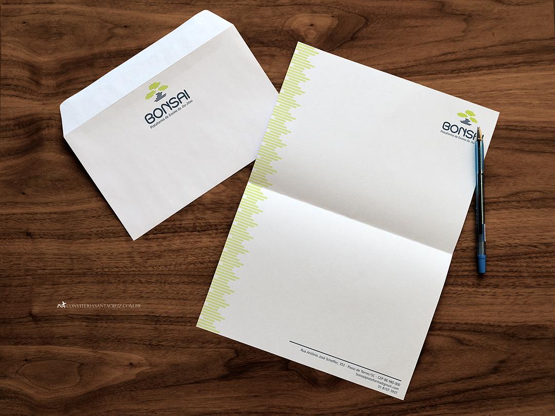 Identidade corporativa: papel timbrado para correspondências formais.