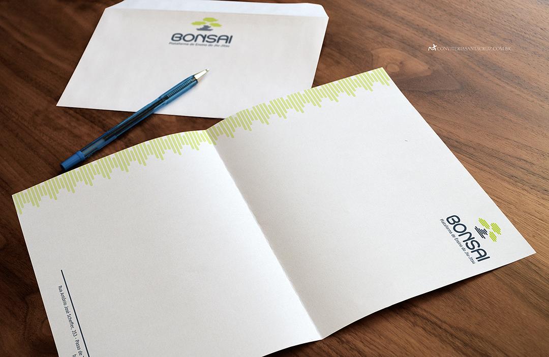 Identidade corporativa: personalização de papelaria.